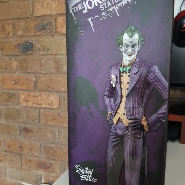 Joker arkham asylum limited edition statue