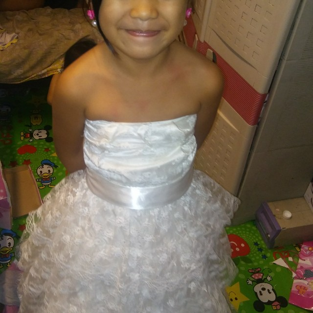 Little bride Gown 6-7 years old