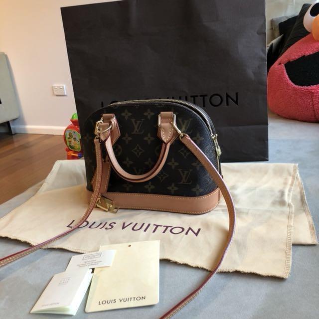 Louis Vuitton Alma BB pre owned