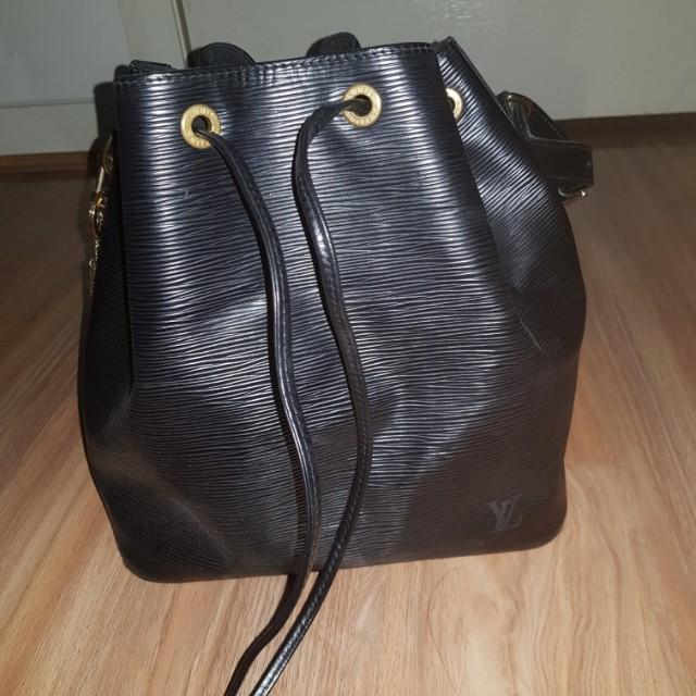 Louis Vuitton Petit Noe - Epi Leather