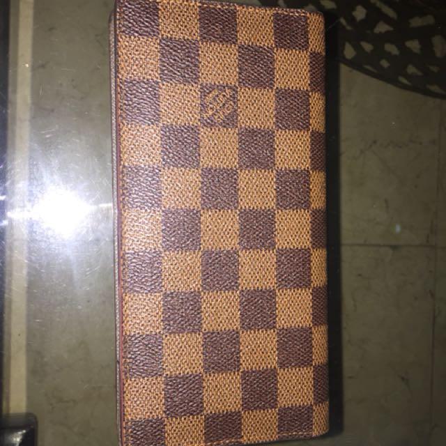 LV Wallet Replica