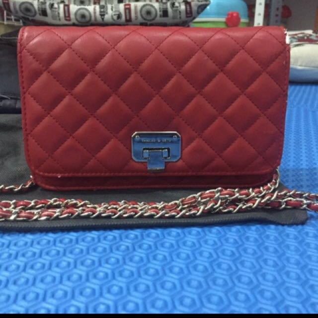 ORI Charles n Keith quilted clutch