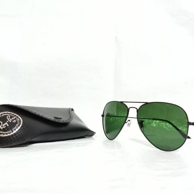 04e47c2d39 Ray Ban Large Aviator II Sunglasses Auth. RB3026Made in Italy gucci prada  bally hermes louis vuitton