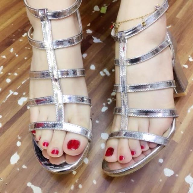 Silver Strappy Chunky Heel Sandals size 34-37