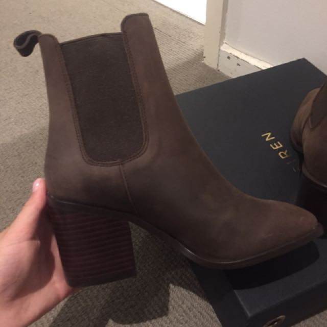 Siren boots