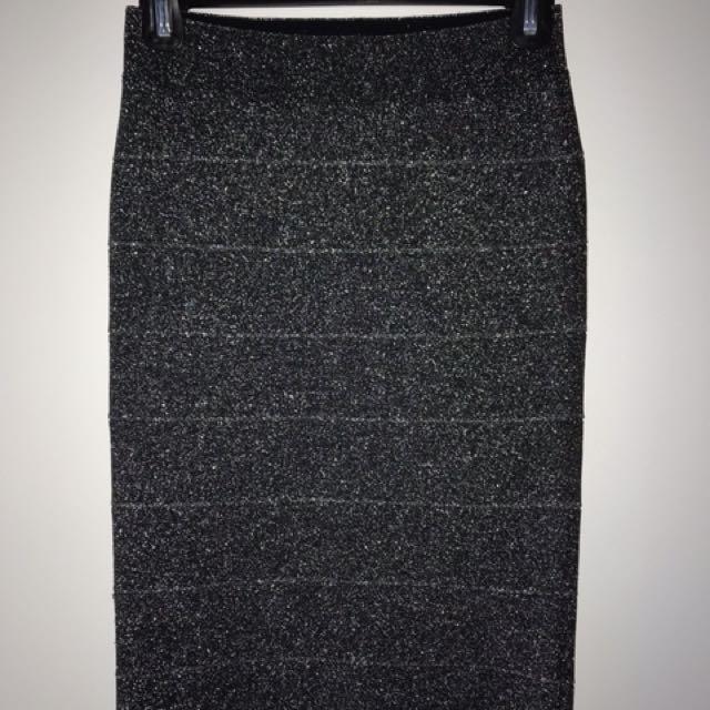 Sparkly BCBG bodycon skirt, small