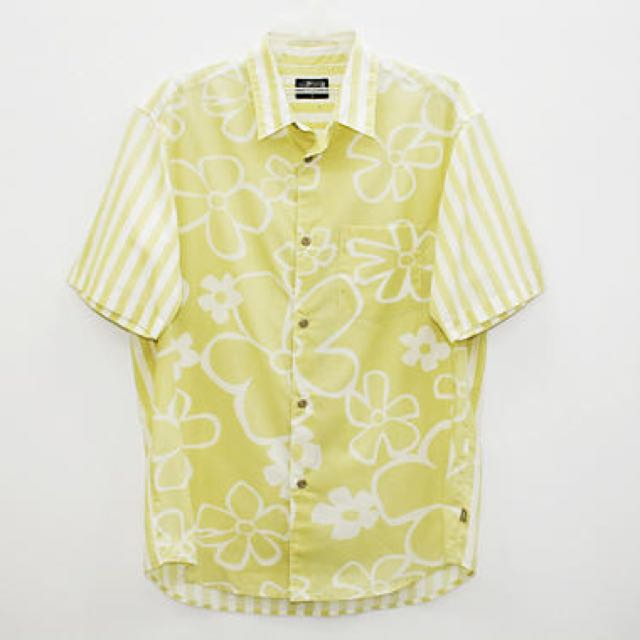 28055c016 Stussy Hawaii Shirt Floral Size L, Men's Fashion, Clothes, Tops on Carousell