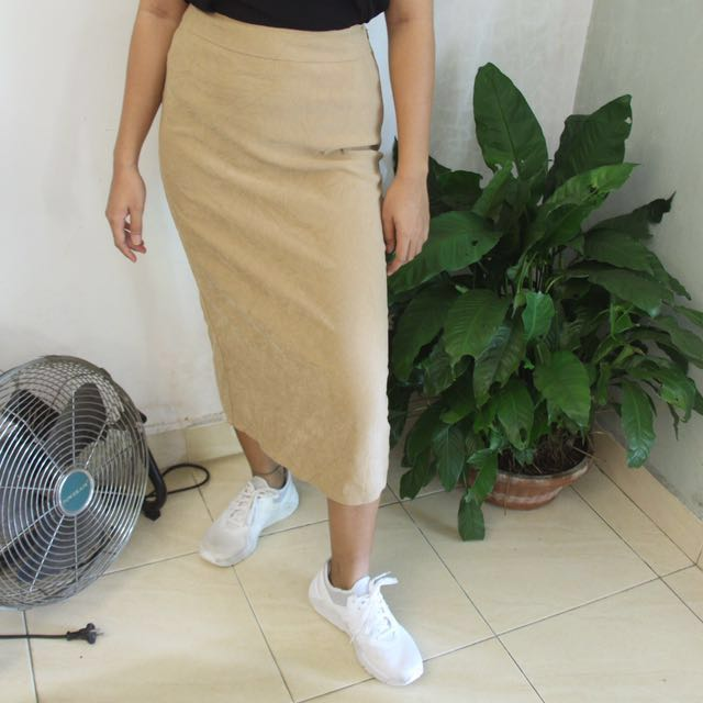306bcb8732 Talbots Tan Suede Skirt, Women's Fashion, Women's Clothes, Dresses ...