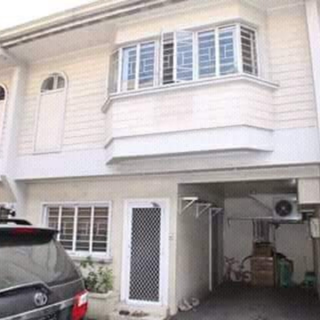 Townhouse for rent mandaluyong