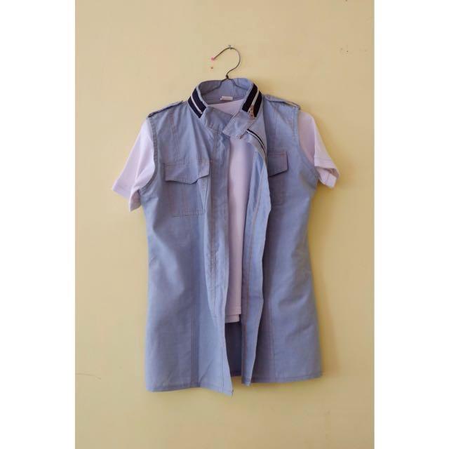 T-shirt putih + Outer denim zipper