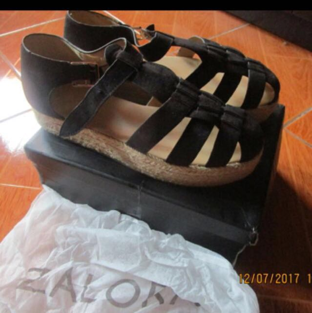 Zalora shoes size 8