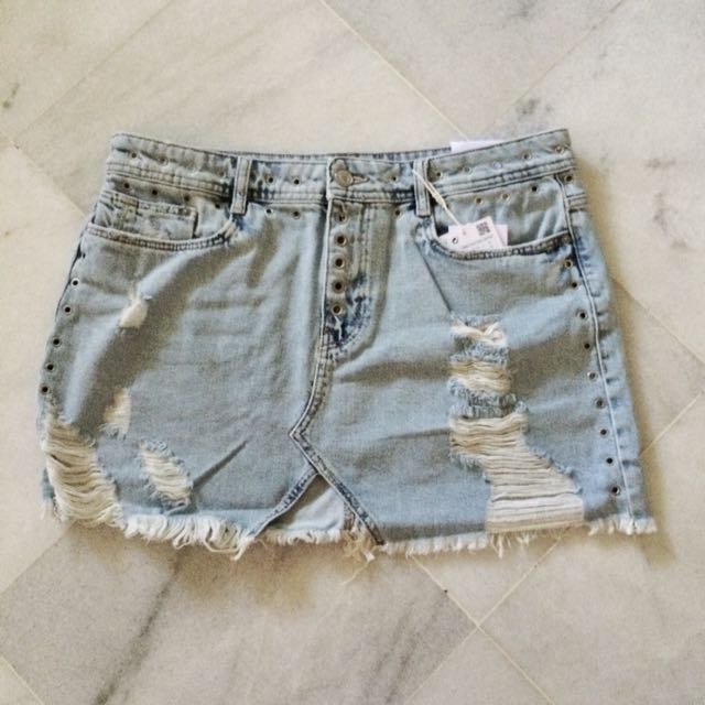 e7a52c9b5e Zara ripped denim mini skirt with stub., Women's Fashion, Clothes ...