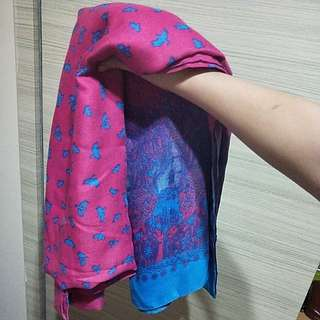 🍊💞CNY 50%TIME SALE!! 🐶 (U.P: $15) BRAND NEW!! TWO TONE PINK-BLUE GRADIENT BIRDS PRINTED SCARF!!!! ONLY 1!!! RARE!! HURRY WHILE STOCK LAST!!! GRAB BEFORE ITS GONE!!!