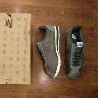 (Mirror BNIB) Nike Cortez Classic Olive Green