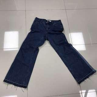 Initial 牛仔褲