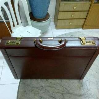 Condotti Briefcase