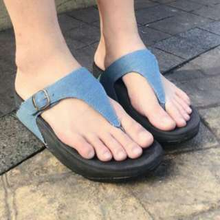 🚨SOLD OUT!🚨Fitflop