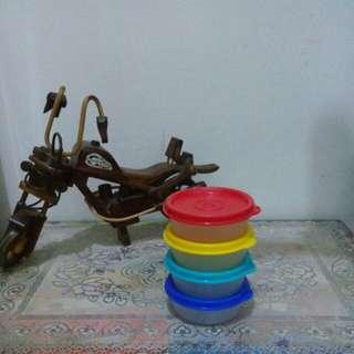 Round container tupperware