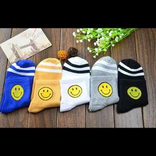 [PO] Smiley Face Socks