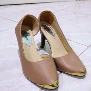 Hebrown Heels