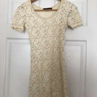 Lace Dress - size s