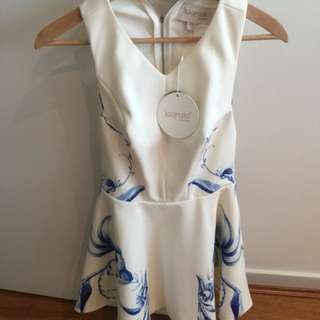 As new Keepsake the label dress size XS