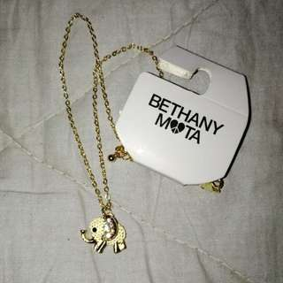 EXCLUSIVE bethany mota for aeropostale elephant necklace
