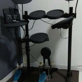 Almost new electronic drum set for sale
