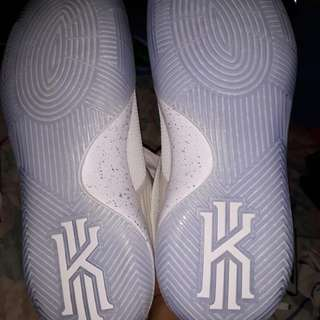 Kyrie 2 size 12 Brand New (Authentic)