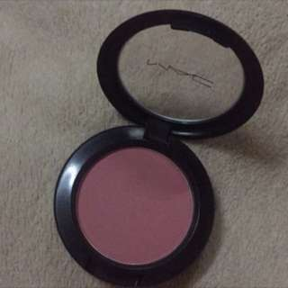 Mac blush on fleur power