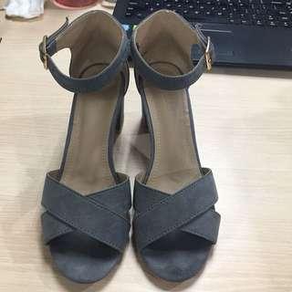 Parisian blocked heels size 6