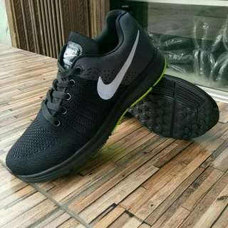 NIKE ZOOM FEGASHOES.