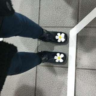 🚚 unif款小花靴
