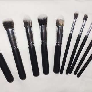 Make up brush complete