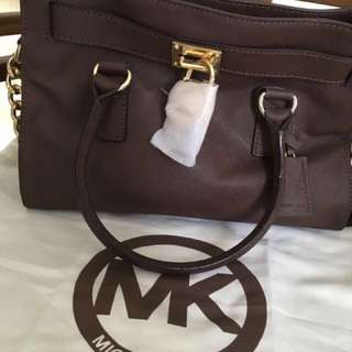 Michael Kors Hamilton Medium in Brown