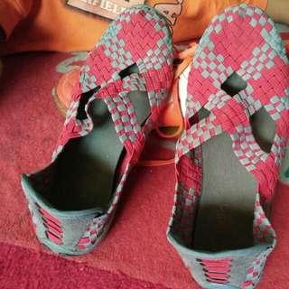 Sepatu lollia