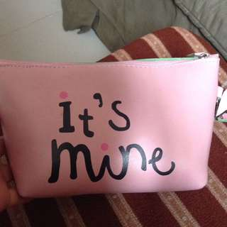 Pink pouch 👄