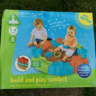 Elc build and play sandpit