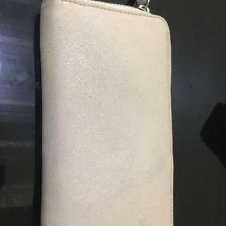 Preloved authentic liz clairborne wallet