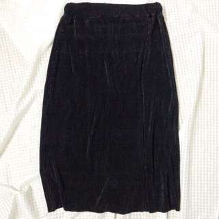 Black Pleated Skirt (Mettalic style)