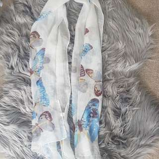 Scarf chiffon with butterflies
