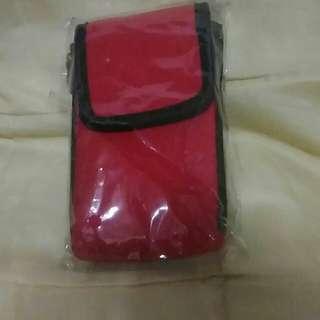🚚 紅色有蓋子手機腰包