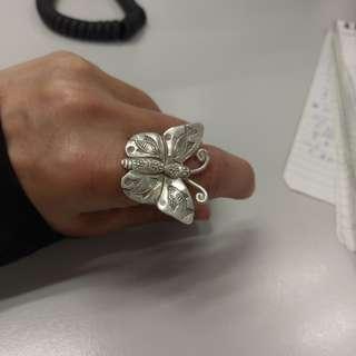 舊銀精緻戒指