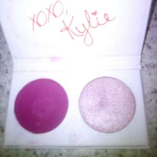 Kylie highlighter and plum shadow