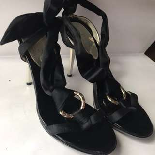 Preloved guess woman sexy shoes