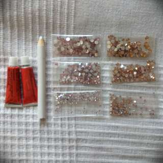 Set of rhinestones/diamonds/crystals for DIY projects and nails