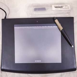 Wacom tablet ( Intuos 2) with pen
