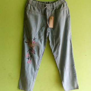 New With Tag Jeans Bordir