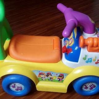 toddler musical car