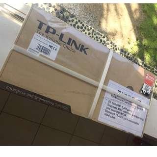 TP-Link 24 Port Rackmount Fast Ethernet Switch